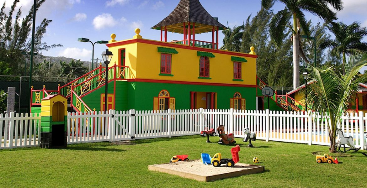 kids-play-area-half-moon-resort-jamaica