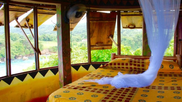 treehouse-hotel-room-jungle