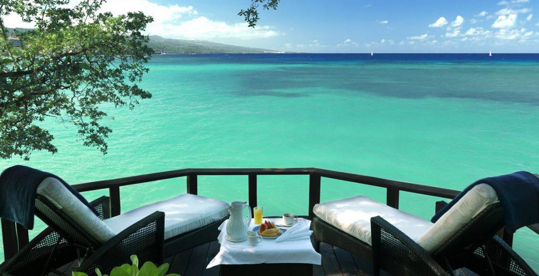 ocean-view-loungers-jamaica-inn
