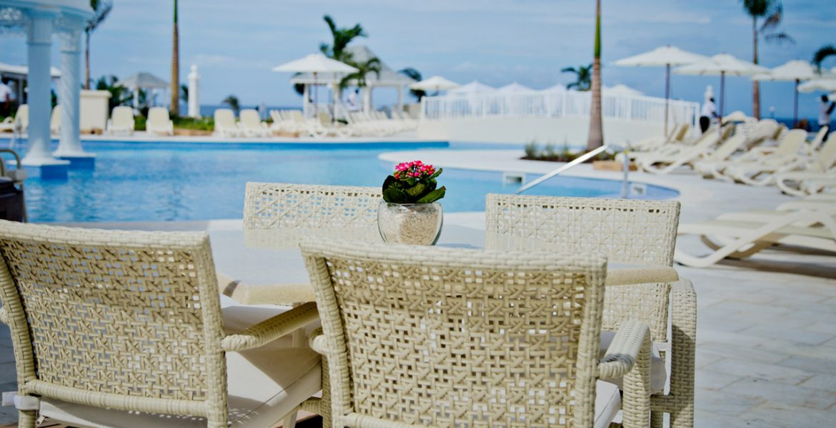 pool-dining-luxury-bahia-principe-runaway-bay-resort-jamaica