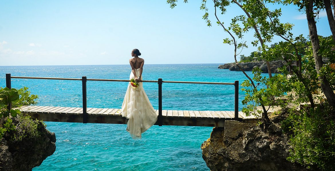 rockhouse-hotel-negril-jamaica-bride-dock-over-water
