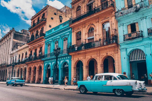 havana-cuba-colorful-buildings-old-car