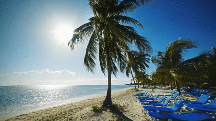 beach-loungers-coco-cay-bahamas