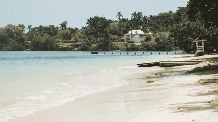 dunns-river-falls-park-beach-jamaica