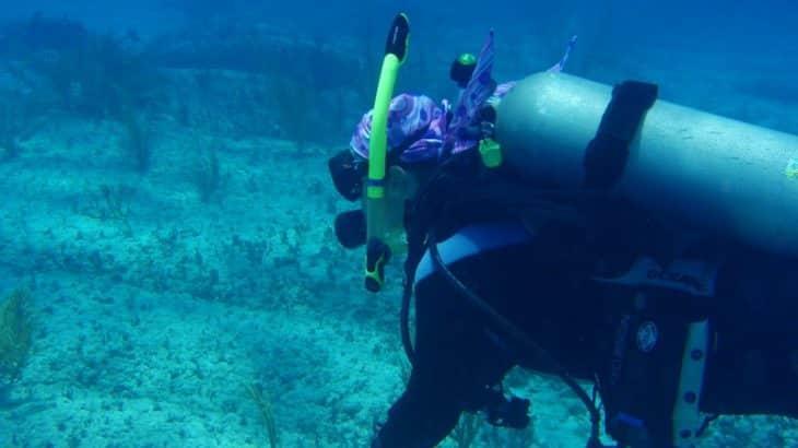 underwater-scuba-diver