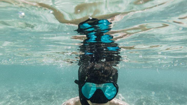 man-underwater-snorkeling