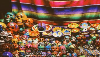 colorful-skulls-souvenirs-mexico