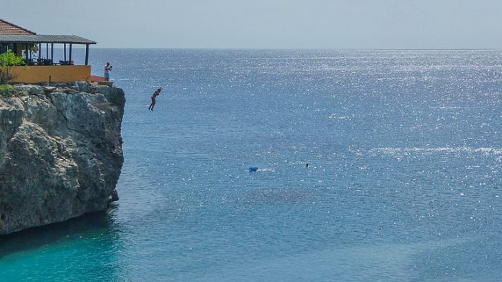 cliff-jump-playa-forti-curacao