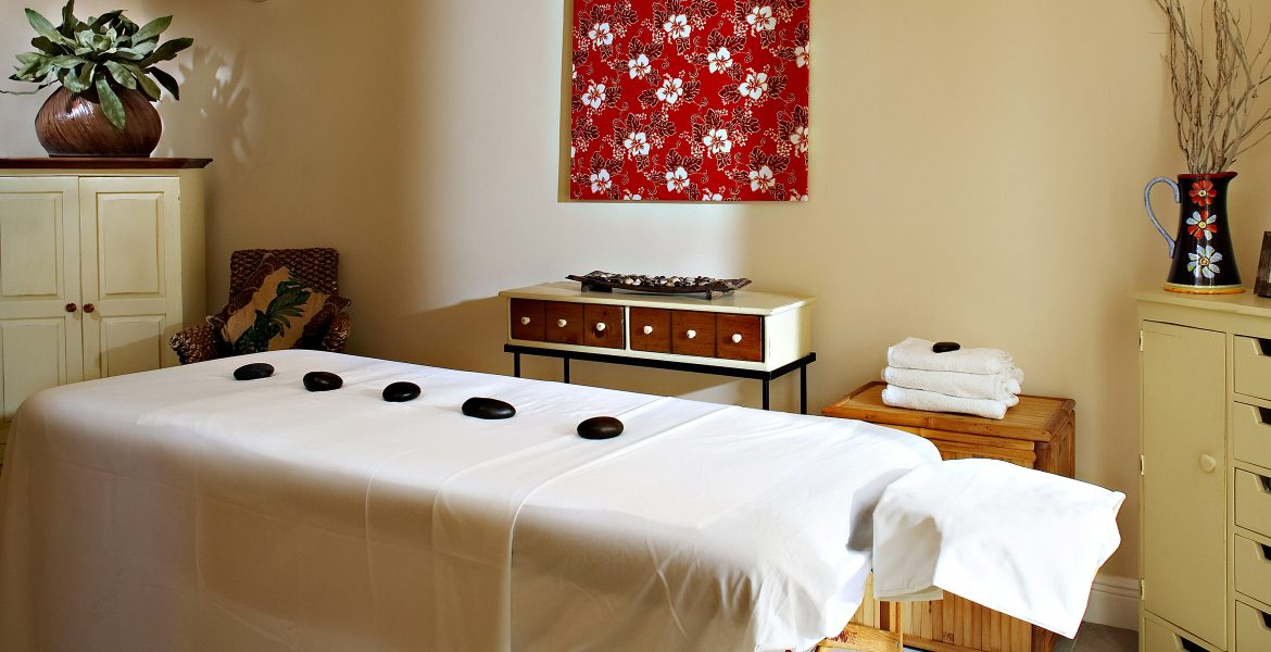 massage-table-sands-grace-bay-resort-turks-caicos