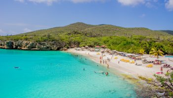 grote-knip-beach-people-curacao