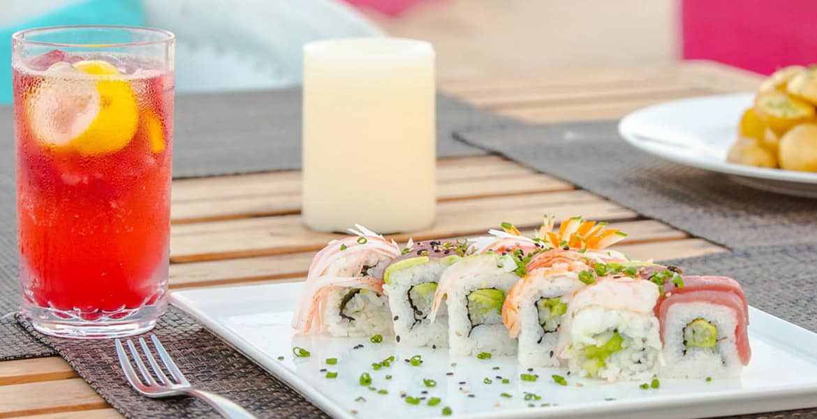 sushi-white-plate-creme-candle