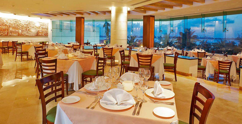 dining-room-white-settings