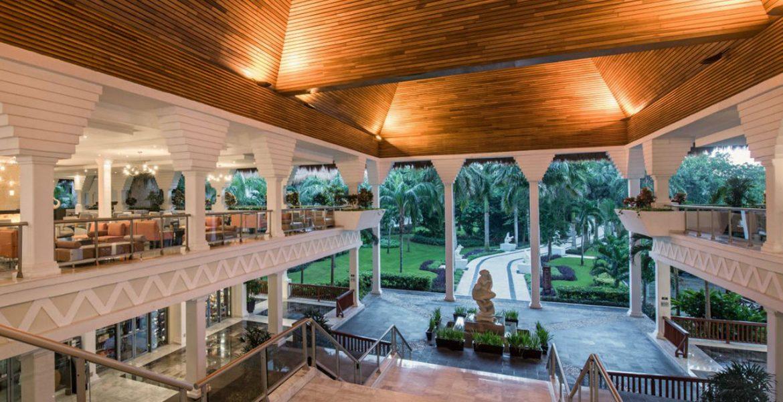 resort-open-air-dining