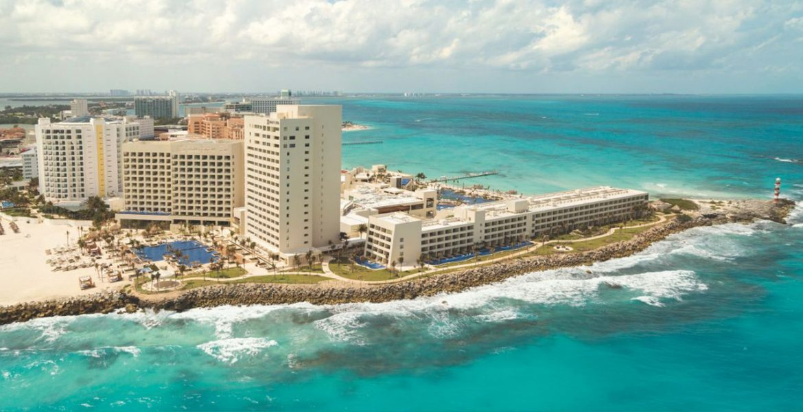 aerial-view-cancun-resort-turquoise-ocean-surrounding