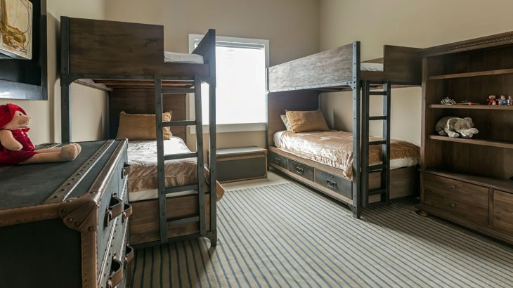luxury-suite-guest-bedroom-bunk-beds