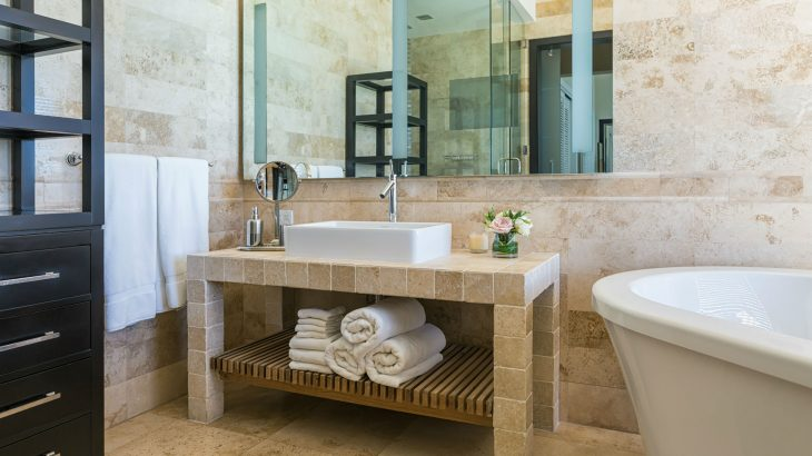 luxury-suite-bathroom-vanity