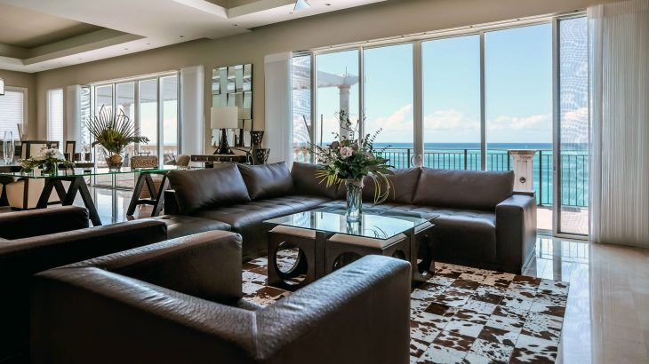 luxury-suite-living-room-ocean-view