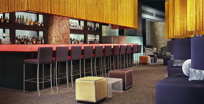hotel-bar-high-chairs