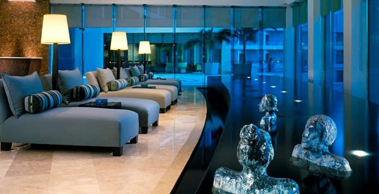 hotel-lobby-loungers-sculpture-art