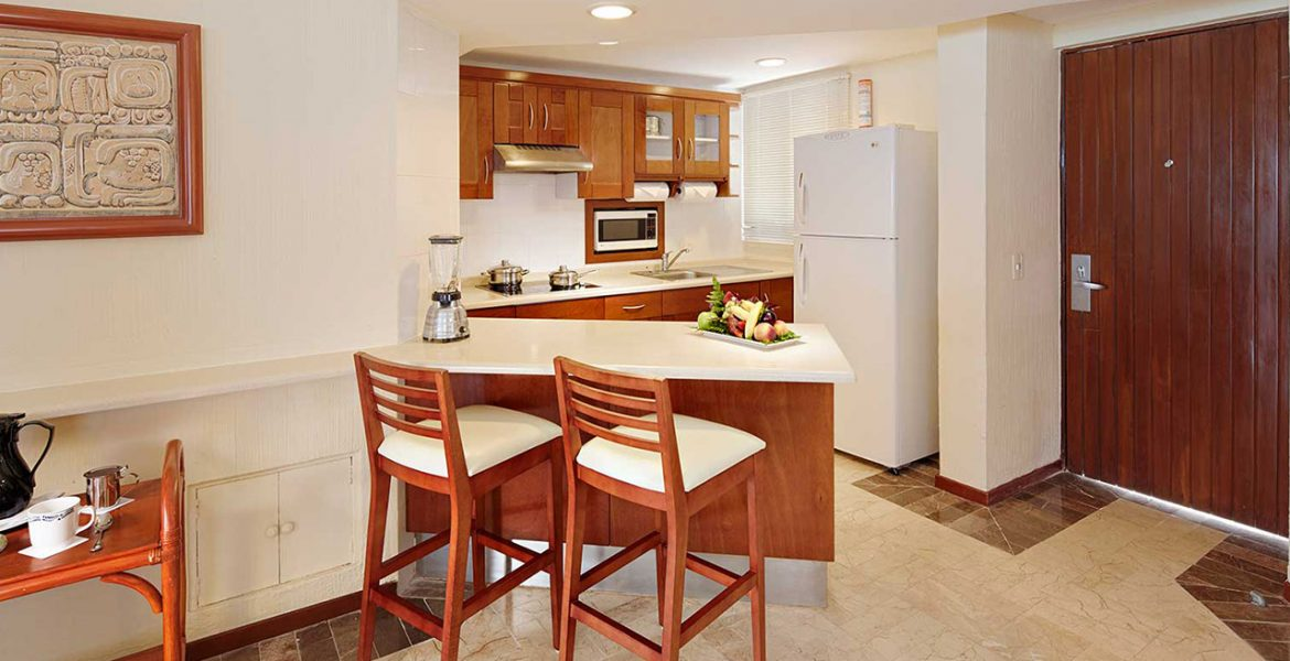 resort-suite-kitchenette