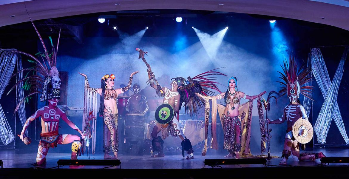 hotel-entertainment-mayan-costumed-performers