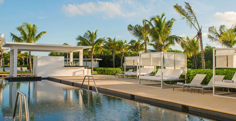 resort-pool-palm-trees