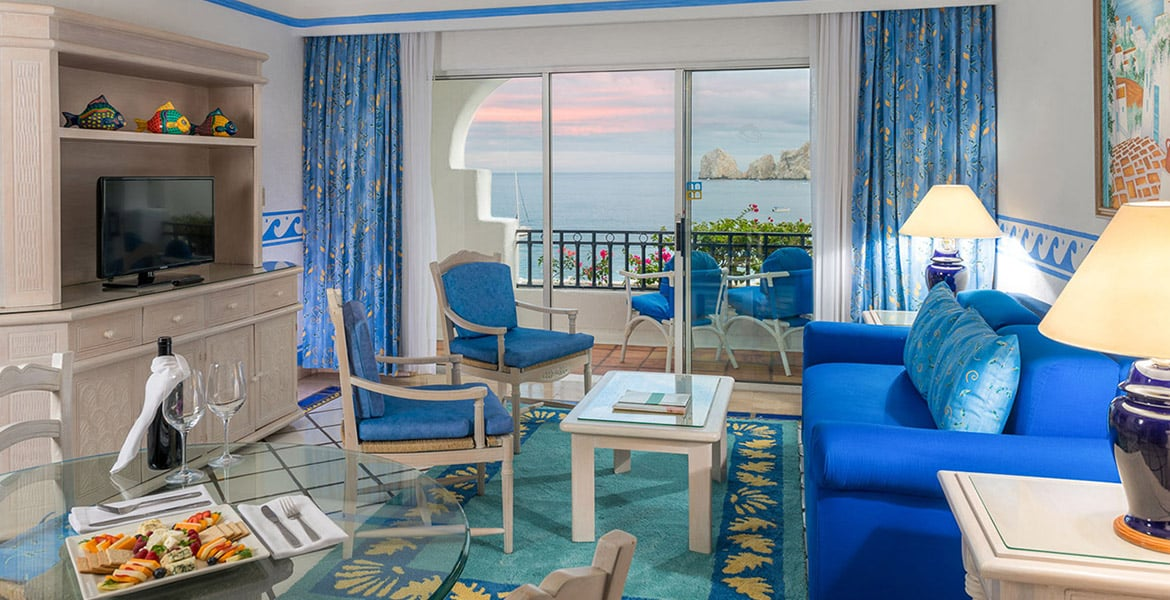 resort-suite-sitting-area-blue-decor
