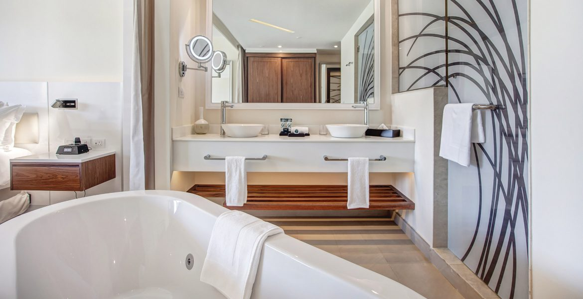 luxury-bathroom-with-dual-sinks-white-tub