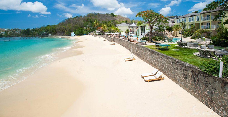 white-sand-blue-ocean-beach