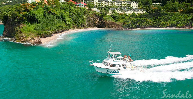 blue-water-boat-cruising