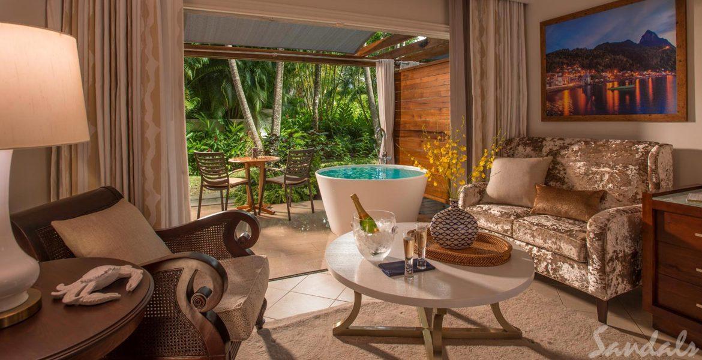 hotel-room-champagne-tub