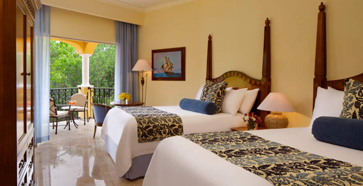 resort-suite-two-twin-beds-garden-view