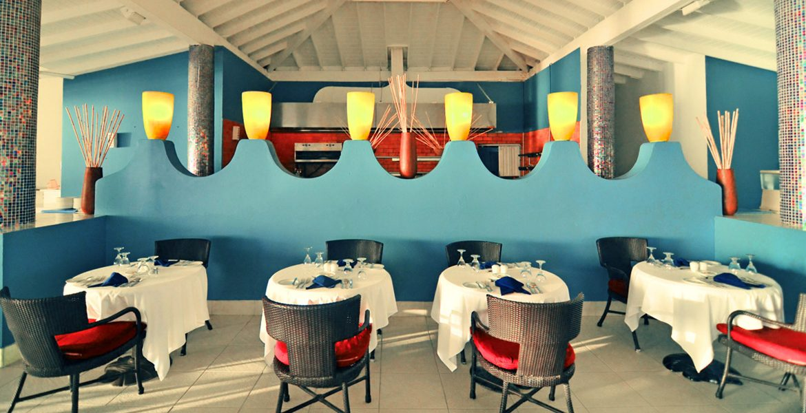 colorful-dining-room-st-james-club-morgan-bay