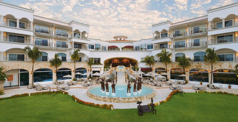 resort-courtyard-fountain-luxury-building