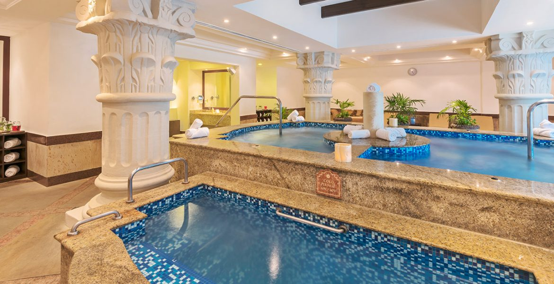 resort-spa-blue-pools