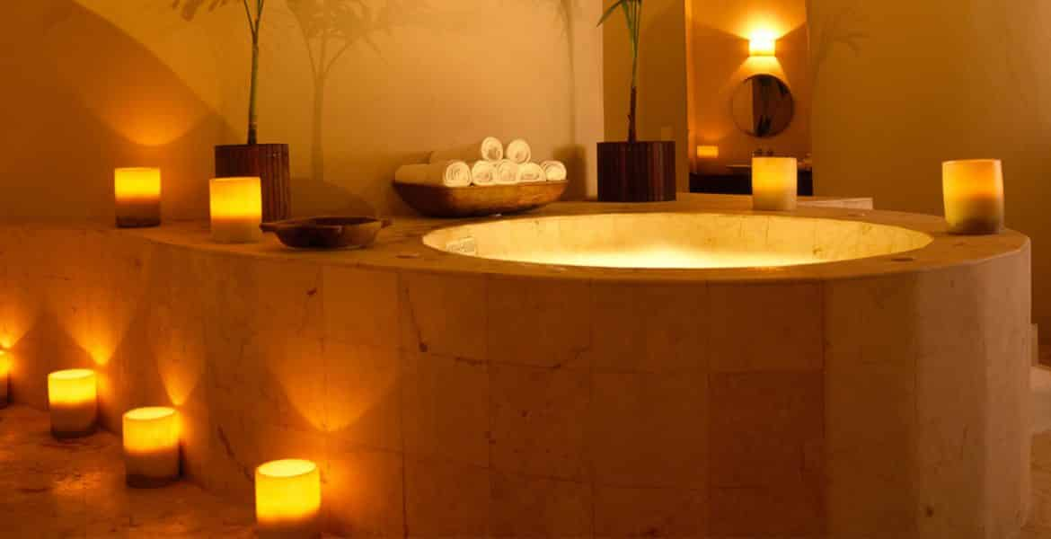 resort-tub-surrounded-candles
