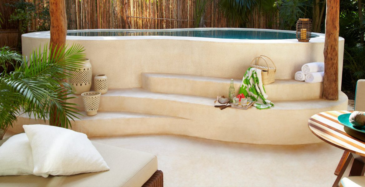 resort-spa-steps-leading-to-tub