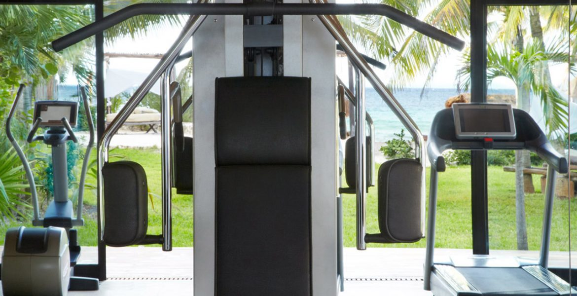 resort-gym-on-beach