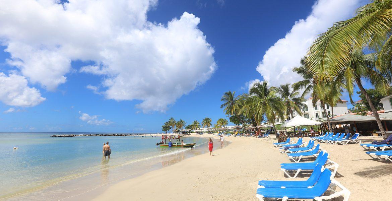 crescent-shaped-beach-windjammer-landing-resort-st-lucia