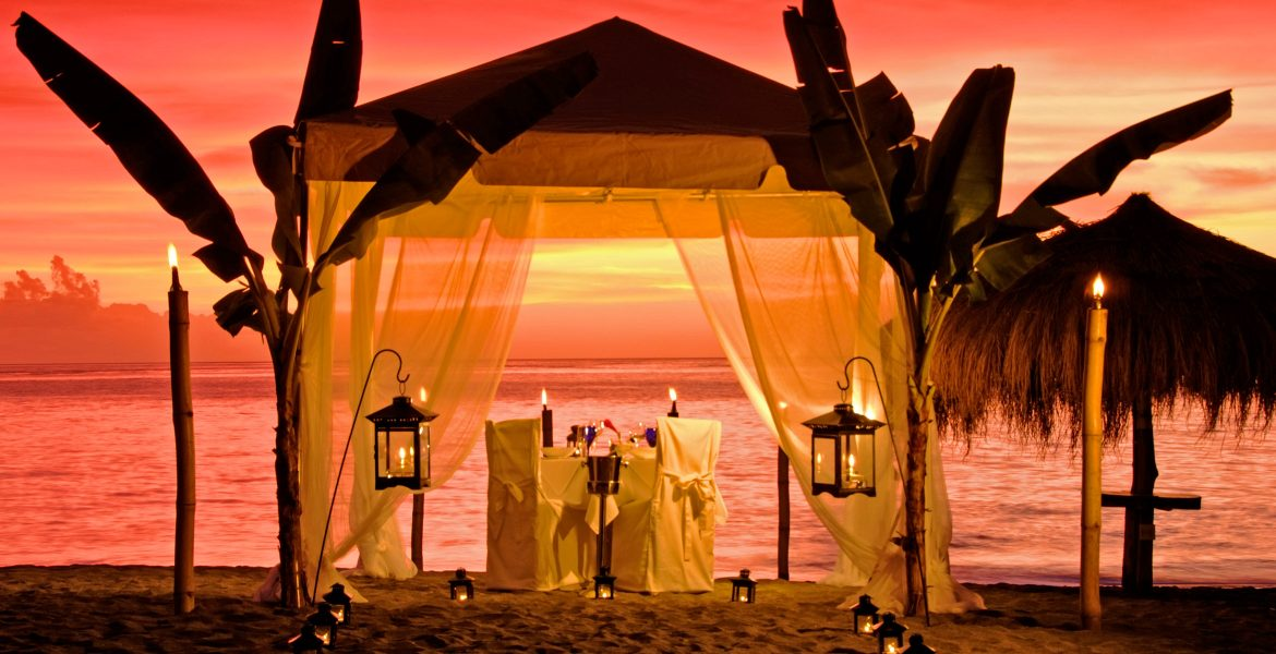 romantic-cabana-beach-sunset