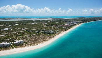 aerial-view-turks-caicos-turquoise-water