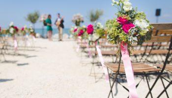 beach-wedding-flowers-ocean