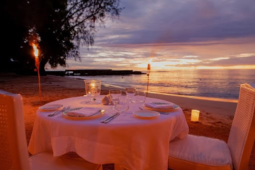 beachfront-dining-cobblers-cove-restaurant