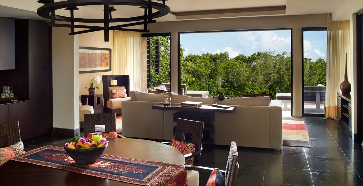 resort-suite-balcony-jungle-sky-view