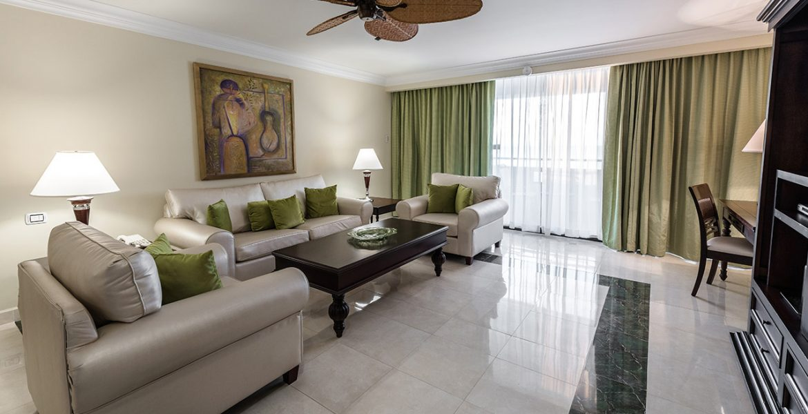 suite-sitting-room-barcelo-aruba-hotel