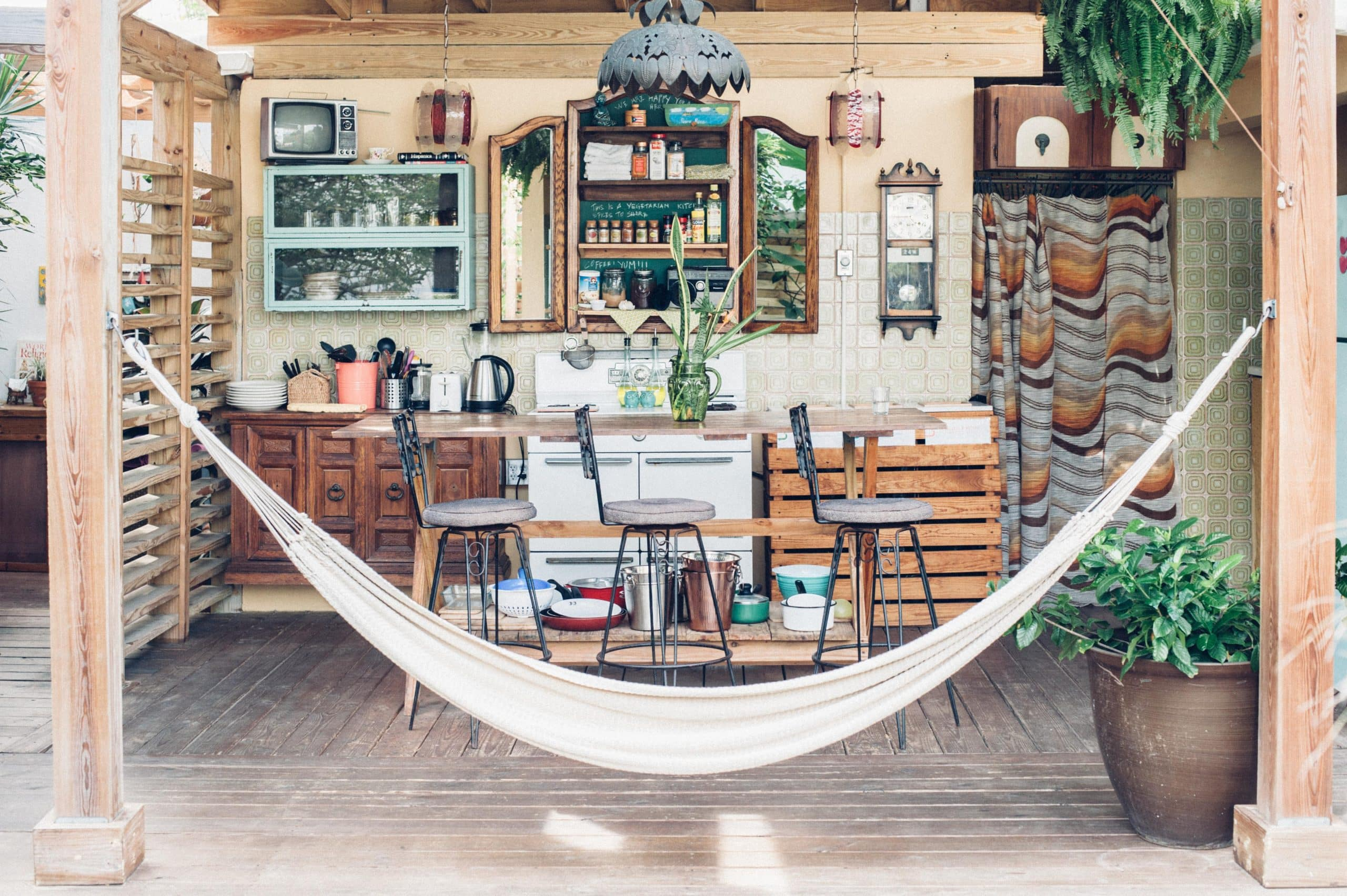 Hammock and outside kitchen at Dreamcatcher