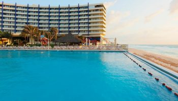 Crown Paradise Club Cancún – All Inclusive