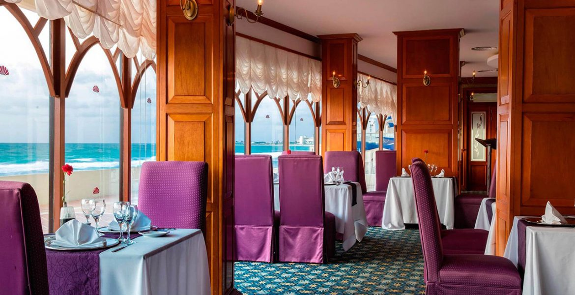 restaurant-dining-facing-ocean-purple-chairs