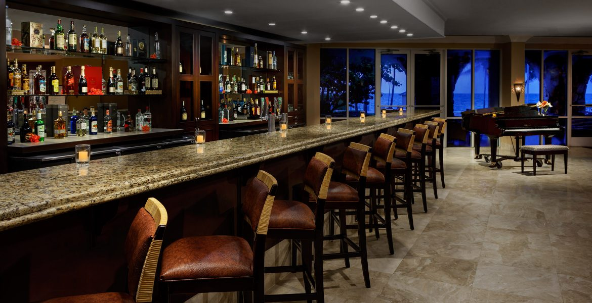 bar-bar-stools-dim-lighting