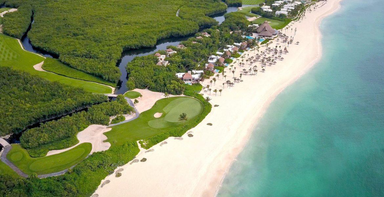 aerial-view-white-sand-beach-blue-ocean-jungle
